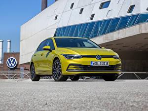 Hintergrundbilder Volkswagen Metallisch Vorne Gelb Golf eHYBRID, 2020 Autos