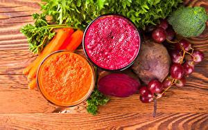 Fotos Gemüse Weintraube Mohrrübe Smoothie Rote Beete Bretter Zwei Trinkglas