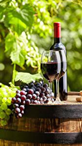 Fotos Wein Weintraube Fass Weinglas Flaschen