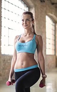 Hintergrundbilder Fitness Uniform Bauch Hanteln Körperliche Aktivität Mädchens