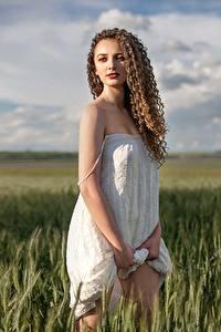 Fonds d'écran Champ Les robes Aux cheveux bruns Model Aleksandra, Alexey Yuryev