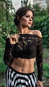 Bakgrunnsbilder Georgiy Dyakov Modell Posere Mage Bluse ung kvinne