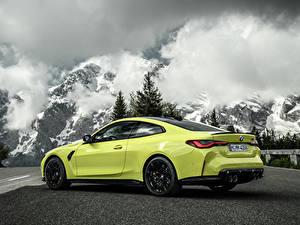 Desktop hintergrundbilder BMW Berg Coupe Metallisch Wolke M4 Competition, (G82), 2020 automobil Natur