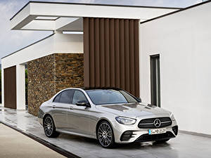Fotos Mercedes-Benz Graues Metallisch 2020 E-Klasse AMG Line Worldwide Autos