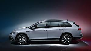 Fotos Volkswagen Kombi Grau Metallisch Seitlich Golf Alltrack, 2020 Autos