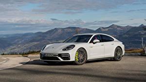 Bilder Porsche Weiß Metallisch Panamera Turbo S E-Hybrid Worldwide, (971), 2020 auto
