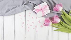 Hintergrundbilder Tulpen Valentinstag Geschenke Herz Bretter Blumen