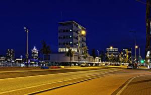 Bilder Niederlande Amsterdam Gebäude Wege Nacht Straßenlaterne Städte