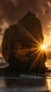 Bilder Sonnenaufgänge und Sonnenuntergänge Küste Wasserwelle Felsen Wolke Lichtstrahl Natur