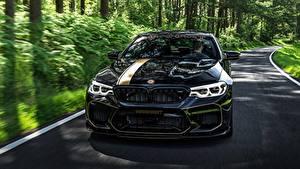 Bureaubladachtergronden BMW Vooraanzicht Zwart kleur Metallic 2018 Biturbo Manhart M5 V8 F90 MH5 700 automobiel
