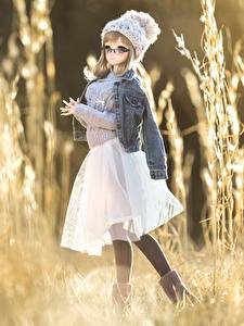 壁纸、、人形、ジャケット、スカート、暖かい帽子、小さな女の子、セーター、