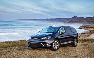 Images Chrysler Coast Blue Metallic 2017 Pacifica Hybrid automobile