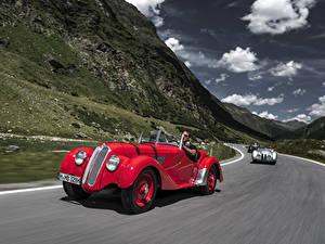 Fotos Antik BMW Rot Metallisch Fahrendes Roadster 1936-40 328 Roadster