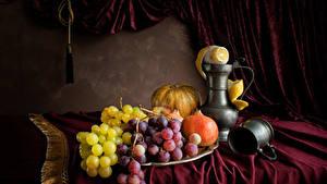 Fotos Stillleben Trauben Granatapfel Kürbisse Zitrone Tasse Kanne