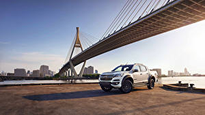 Bilder Chevrolet Pick-up Weiß Metallisch 2018 Colorado High Country  Centennial  Double Cab TH-spec Autos