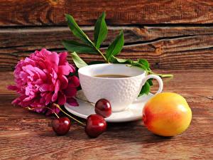 Hintergrundbilder Stillleben Kaffee Pfingstrosen Kirsche Bretter Tasse