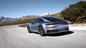 Bilder Porsche Hinten Bewegung Silber Farbe Carrera 4S 992 2019 Autos