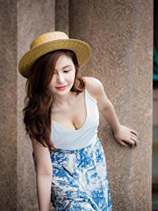 Fotos Asiatische Bokeh Rock Unterhemd Dekolletee Der Hut Braunhaarige Mädchens