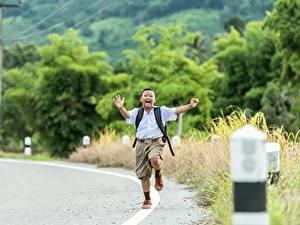 Hintergrundbilder Wege Asiatisches Jungen Shorts Laufen kind