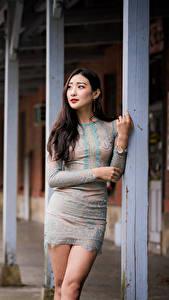Hintergrundbilder Asiatische Kleid Starren Mädchens