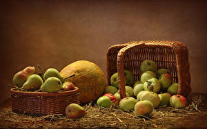 Pictures Apples Pears Pumpkin Wicker basket Straw