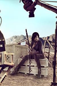 Hintergrundbilder Tomb Raider Bogenschütze Lara Croft Sitzend Spiele Mädchens