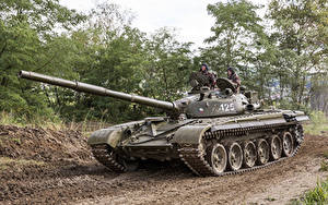 Photo Tanks T-72 Russian Army