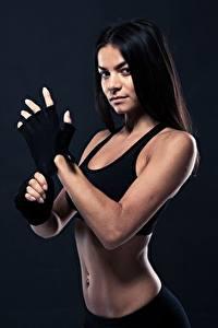 Hintergrundbilder Fitness Brünette Handschuh Starren Mädchens