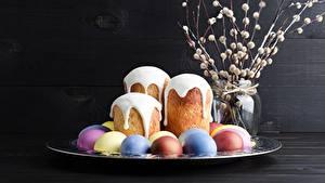 Desktop hintergrundbilder Ostern Kulitsch Zuckerguss Eier Lebensmittel