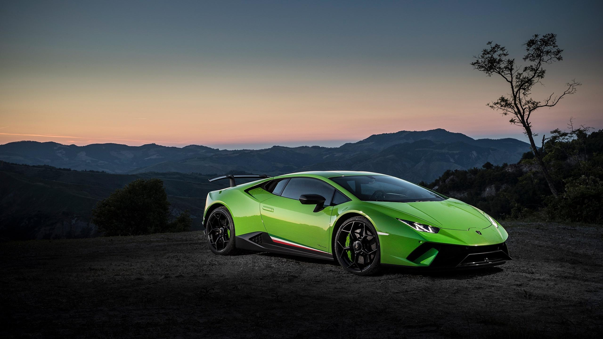 Image Lamborghini Huracan Performante Green Cars 2560x1440