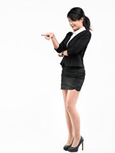 Fotos Asiatische Weißer hintergrund Posiert Stöckelschuh Rock Hand Brünette Mädchens
