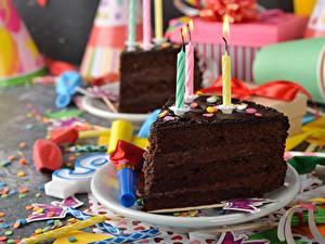 Papéis de parede Bolo Aniversário Velas Chocolate Pedaço Alimentos