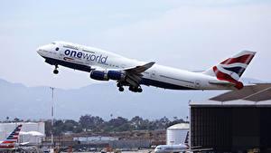 Hintergrundbilder Boeing Flugzeuge Verkehrsflugzeug Flug Starten B747 Luftfahrt