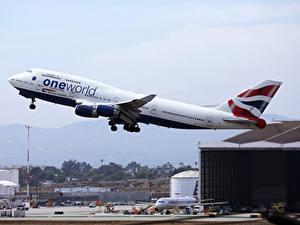 Hintergrundbilder Boeing Flugzeuge Verkehrsflugzeug Flug Starten B747