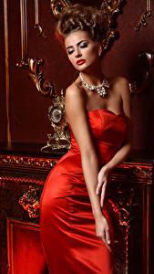 Fonds d'écran Joaillerie Aux cheveux bruns Les robes Rouge Luxe