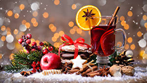 Bilder Neujahr Tee Sternanis Kekse Zimt Äpfel Schalenobst Trinkglas Tasse Lebensmittel