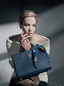 Bilder Handtasche Jennifer Lawrence Dior Model Patrick Demarchelier Prominente Mädchens