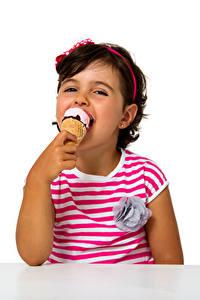 Hintergrundbilder Speiseeis Weißer hintergrund Kleine Mädchen Lächeln Kinder