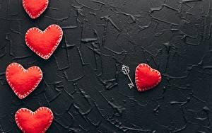 Photo Valentine's Day Red Heart Key lock