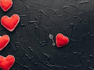 Papel de Parede Desktop Dia dos Namorados Vermelho Coração Chave