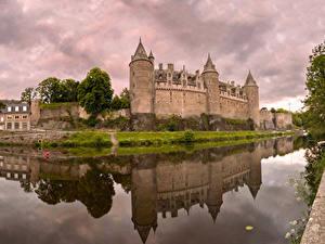 Hintergrundbilder Frankreich Burg Flusse Reflexion Josselin Castle