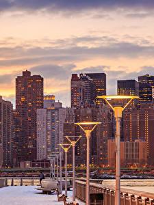 Hintergrundbilder Vereinigte Staaten Haus Wolkenkratzer Abend New York City Straßenlaterne