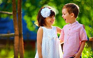 Fonds d'écran 2 Petites filles Garçon Sourire Les robes Enfants