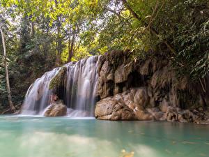 Bilder Thailand Tropen Wasserfall Felsen Ast Erawan Falls Kanchanaburi