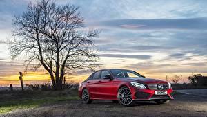 Photo Mercedes-Benz Red Sedan C-Class W205