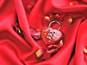 Papel de Parede Desktop Dia dos Namorados Coração Pétala Vermelho Cadeado