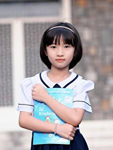 Bilder Asiaten Brünette Unscharfer Hintergrund Hand Blick Kleine Mädchen Schülerin