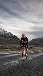 Desktop hintergrundbilder Gebirge Wege Fahrrad Geschwindigkeit Natur