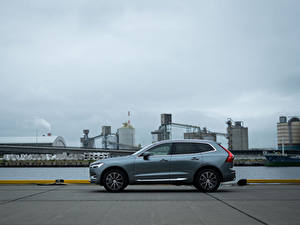 Bilder Volvo Crossover Graue Metallisch Seitlich XC60 B5 Inscription JP-spec, 2019 Autos