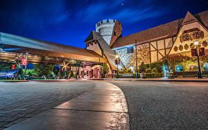 壁纸、、アメリカ合衆国、ディズニーランド、公園、住宅、カリフォルニア州、アナハイム、夜、街灯、Majestic Garden Hotel、都市